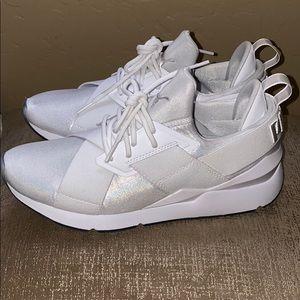 Puma Muse Ice Sneaker Size 8